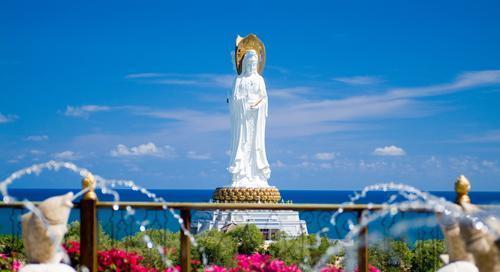 三亚南山迎宾馆距离金刚岛海上观光游艇码头仅500米.