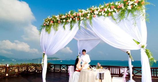 三亚亚龙湾红树林度假酒店沙滩吧