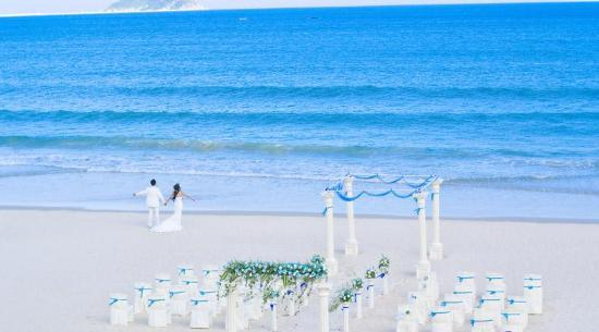 三亚亚龙湾红树林度假酒店沙滩婚礼