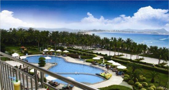 三亚丽景海湾酒店是热带滨海休闲旅游渡假型酒店,位于风景